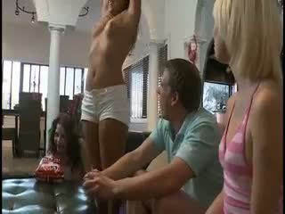 women in squirting fucking contest